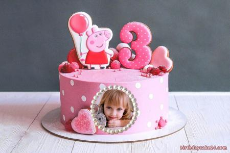 Cute Peppa Pig birthday cake for 3 year old with photo