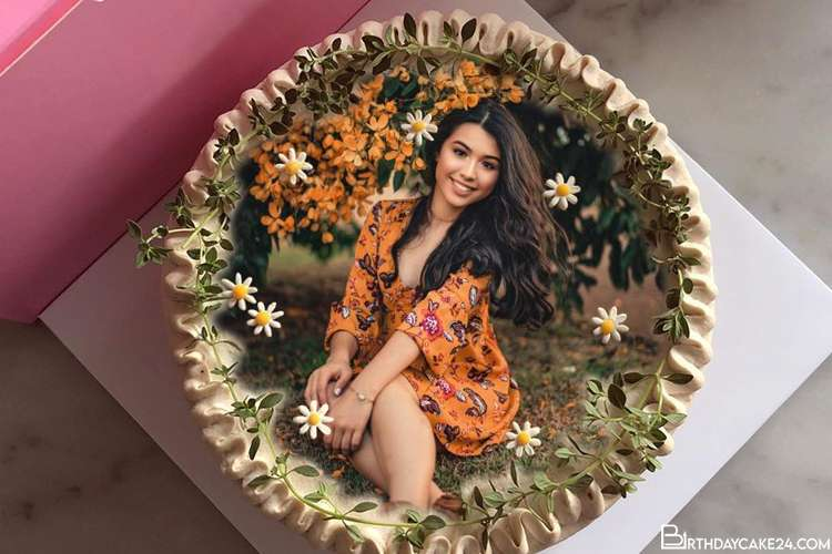 Customize Photos on Lovely Flower Birthday Cakes
